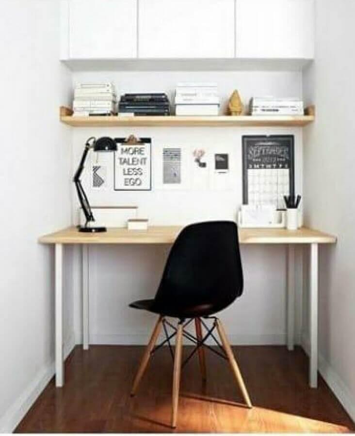 decoração simples com cadeira para home office branco  Foto Lolafá