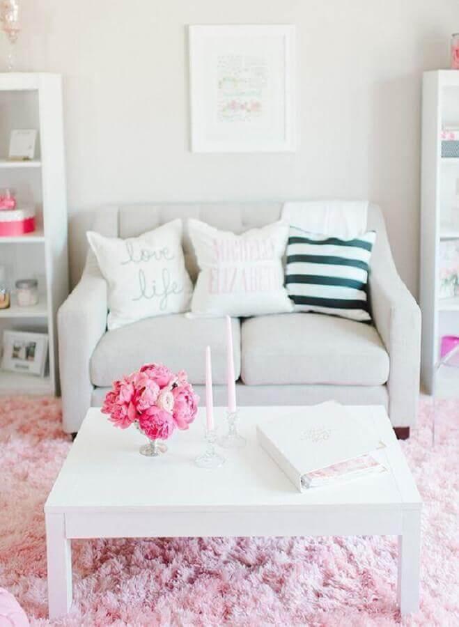 decoração simples para sala branca com sofá pequeno 2 lugares Foto We Heart It