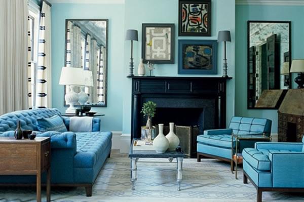 Decoração de sala de estar monocromática azul