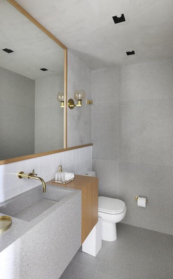 detalhes em madeira para banheiro minimalista cinza Foto Arkpad
