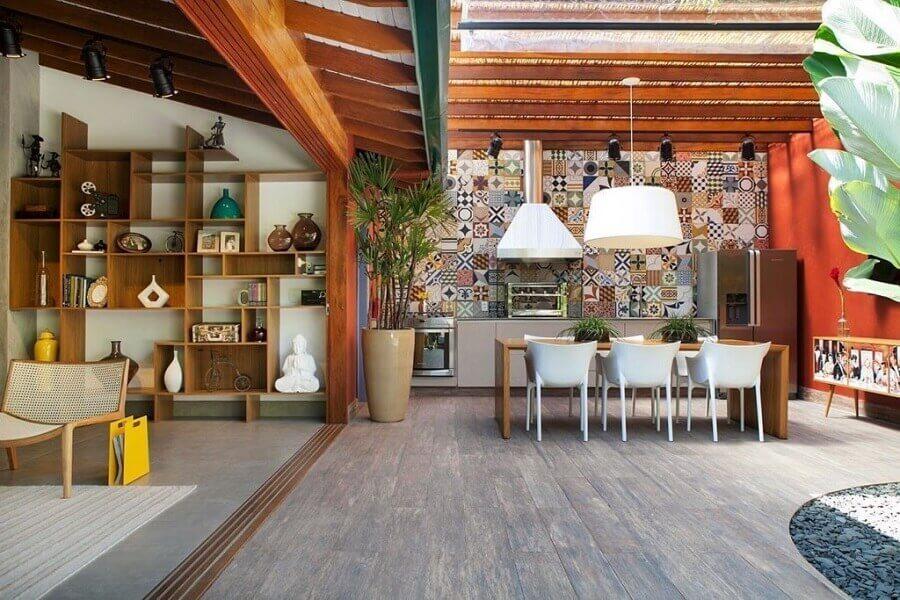 ladrilho hidráulico para cozinha externa grande e moderna Foto Pinterest