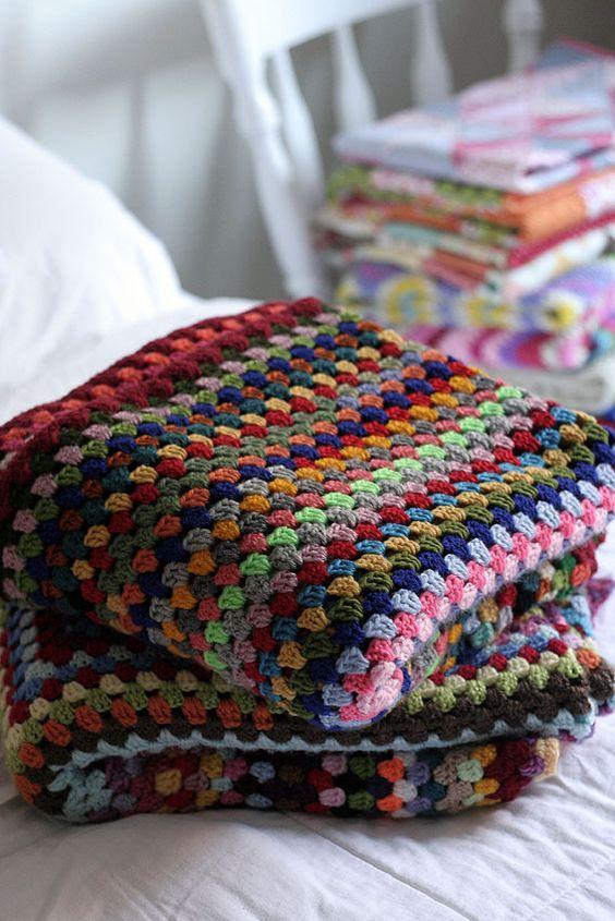 Manta de crochê para poltrona colorida