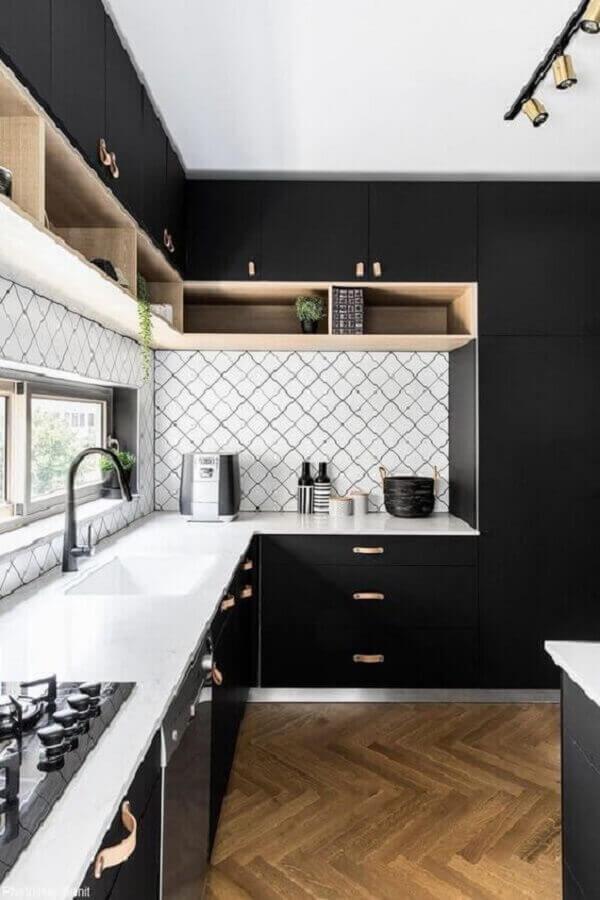 nichos de madeira para decoração de cozinha preto e branco moderna Foto Home Fashion Trend