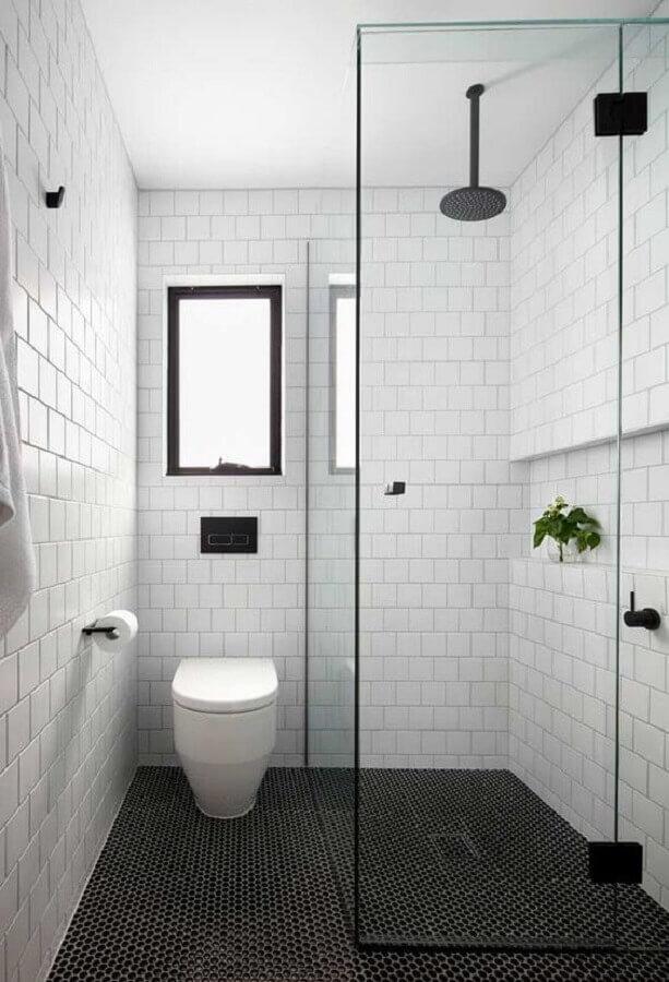 pastilha preta para piso de banheiro minimalista branco Foto Jeito de Casa