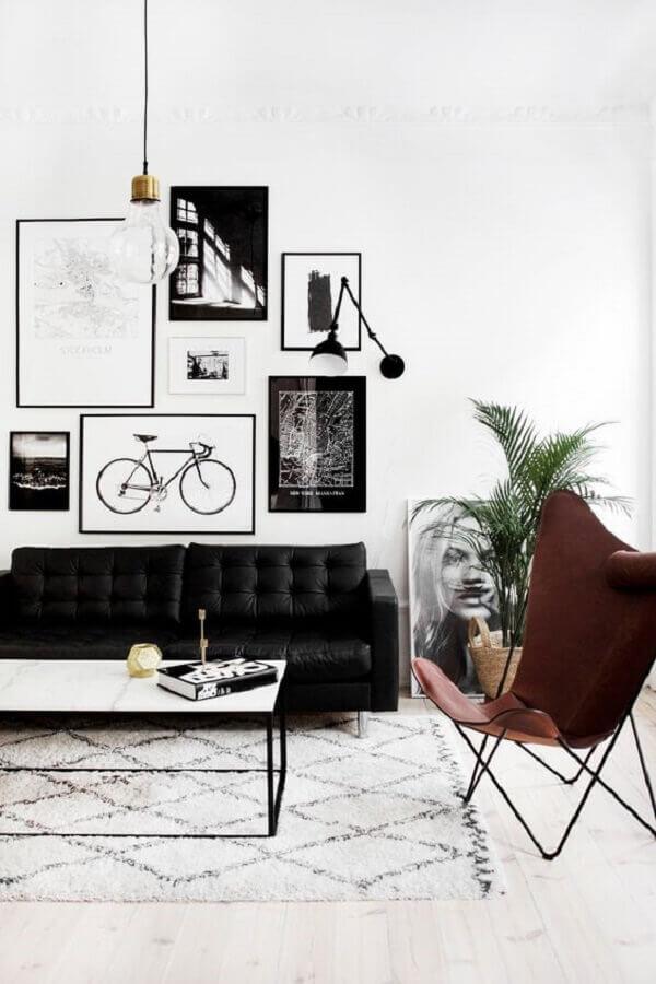 poltrona marrom para decoração de sala preto e branco Foto We Heart It