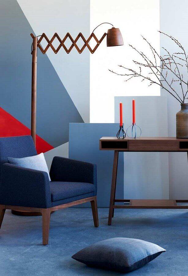 poltrona para sala azul moderna decorada com aparador de madeira  Foto Pinterest
