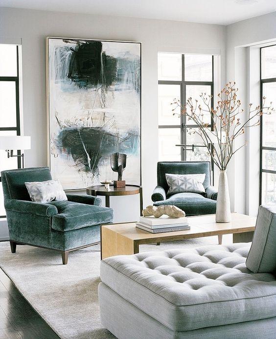 Poltrona veludo verde na sala de estar