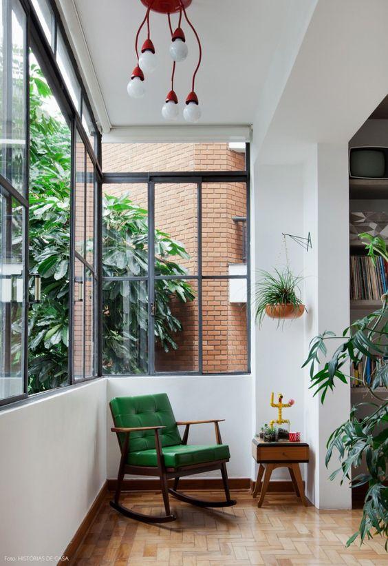 Use as poltronas verdes para decorar ambientes lindos