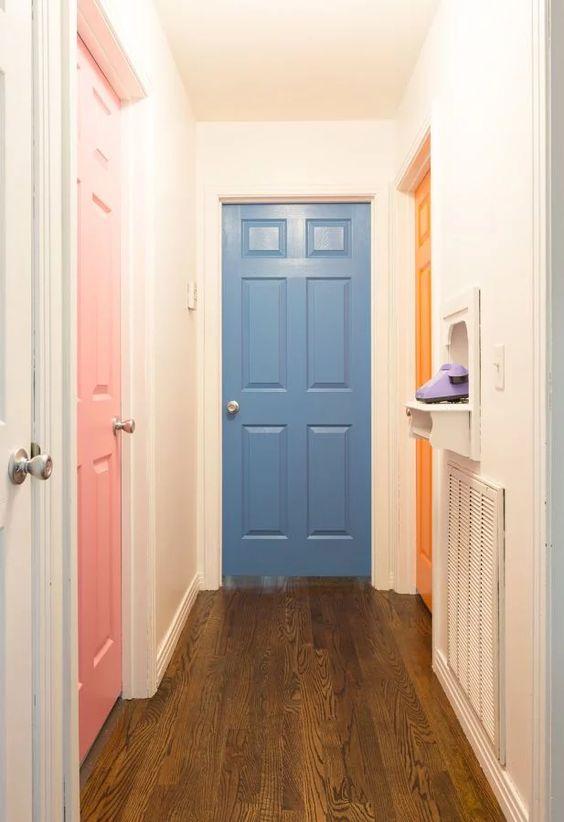 Portas para quartos coloridas