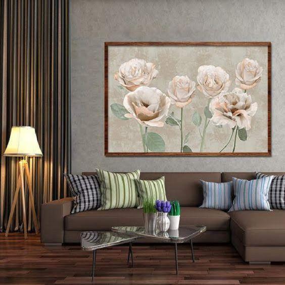 Quadros clássicos com flores em tons claros