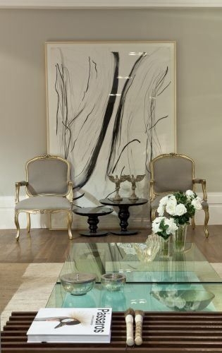 Quadros clássicos com poltronas