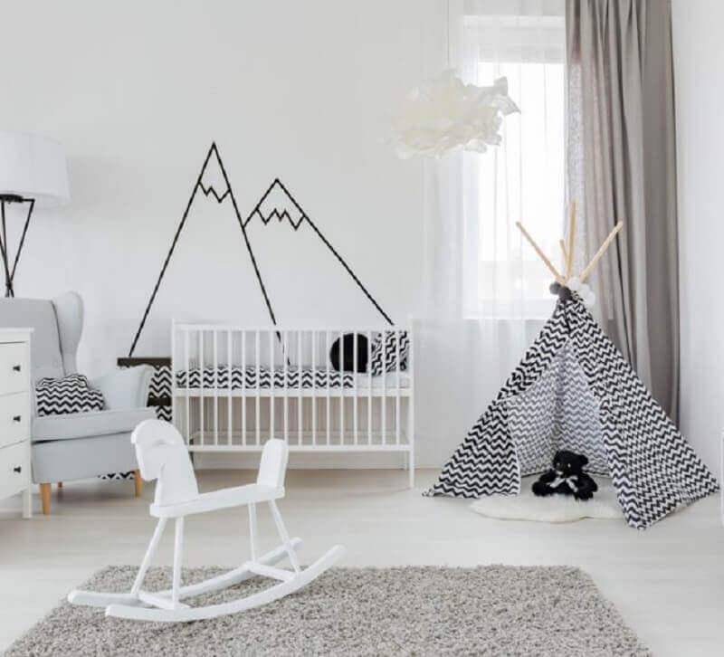 quarto de bebê minimalista com cabaninha escandinava Foto Archtrends