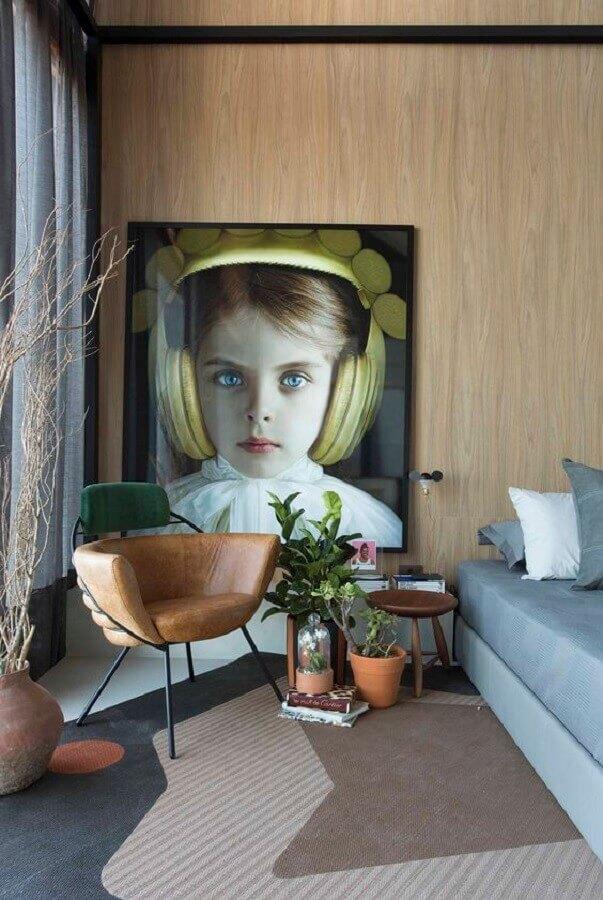 quarto decorado com poltrona design moderno de couro Foto Apartamento 203