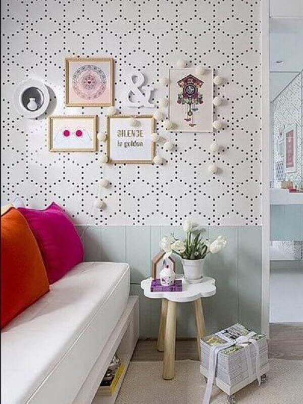 quarto feminino decorado com papel de parede delicado e moderno Foto Pinterest