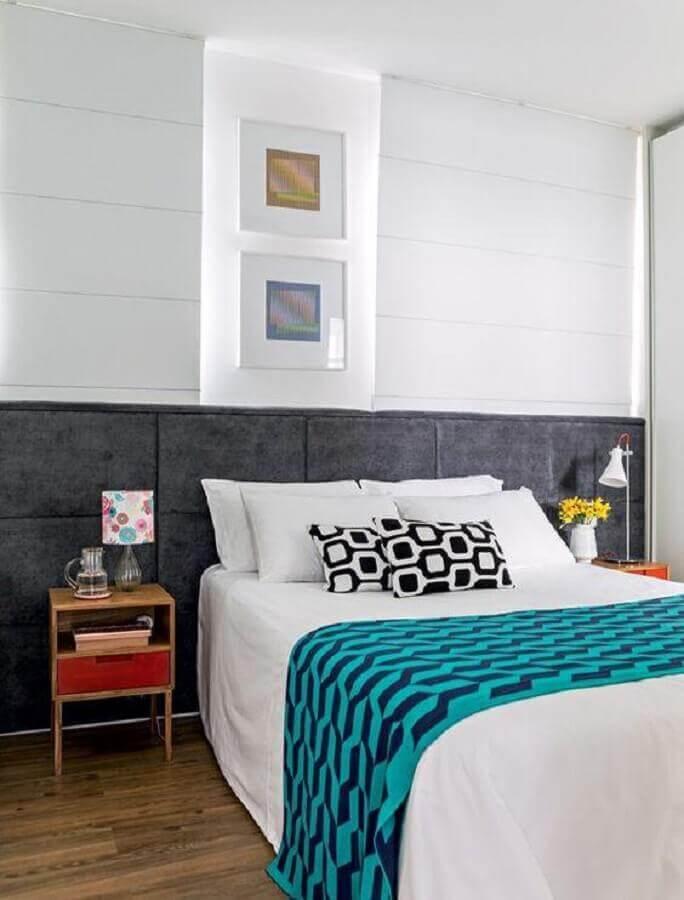 quarto moderno decorado com abajur de cabeceira pequeno Foto Pinterest