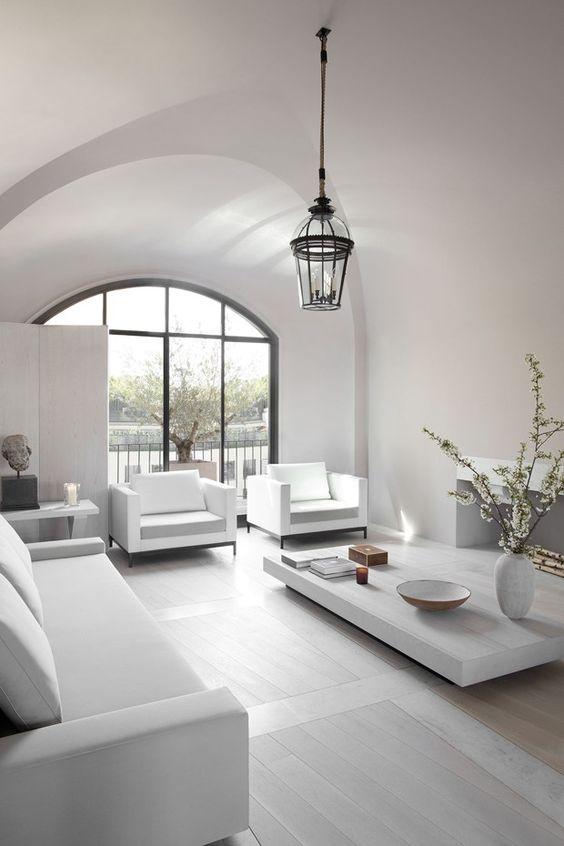 Sala branca impecável