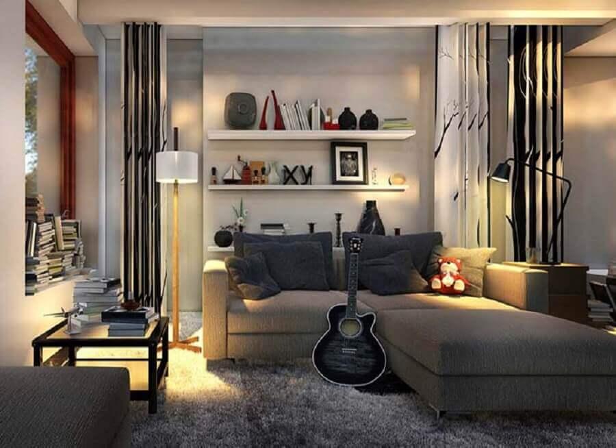 sala cinza decorada com tapete felpudo e sofá pequeno moderno Foto Futurist Architecture
