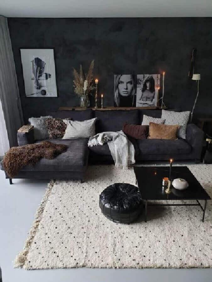 sala cinza moderna decorada com sofá com chaise e mesa de centro preta Foto Pinterest