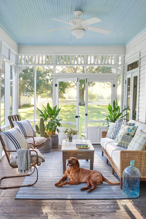 Sala com sofá rustico