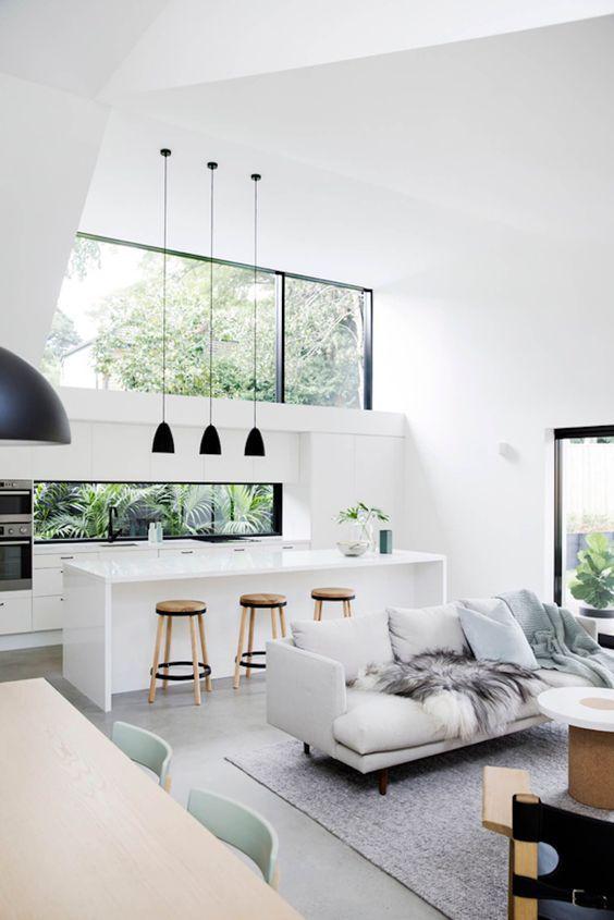 Cozinha integrada monocromática