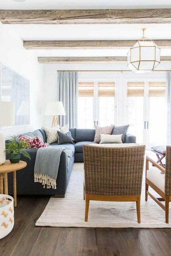 sofá de canto cinza para sala decorada com tapete bege claro Foto Archilovers