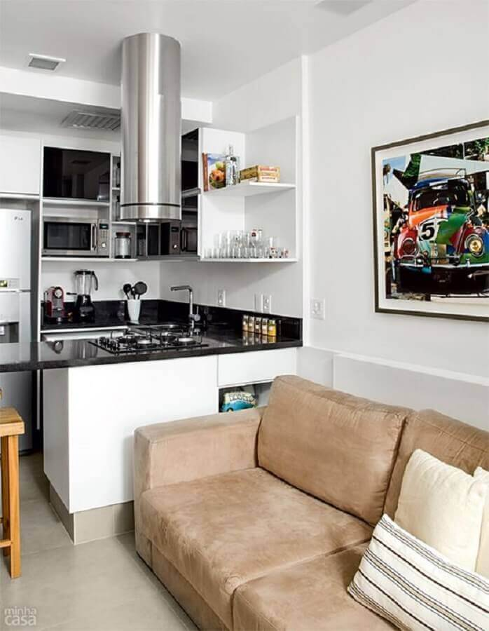 sofá marrom e armários planejados para sala e cozinha integrada simples e pequena Foto Pinterest