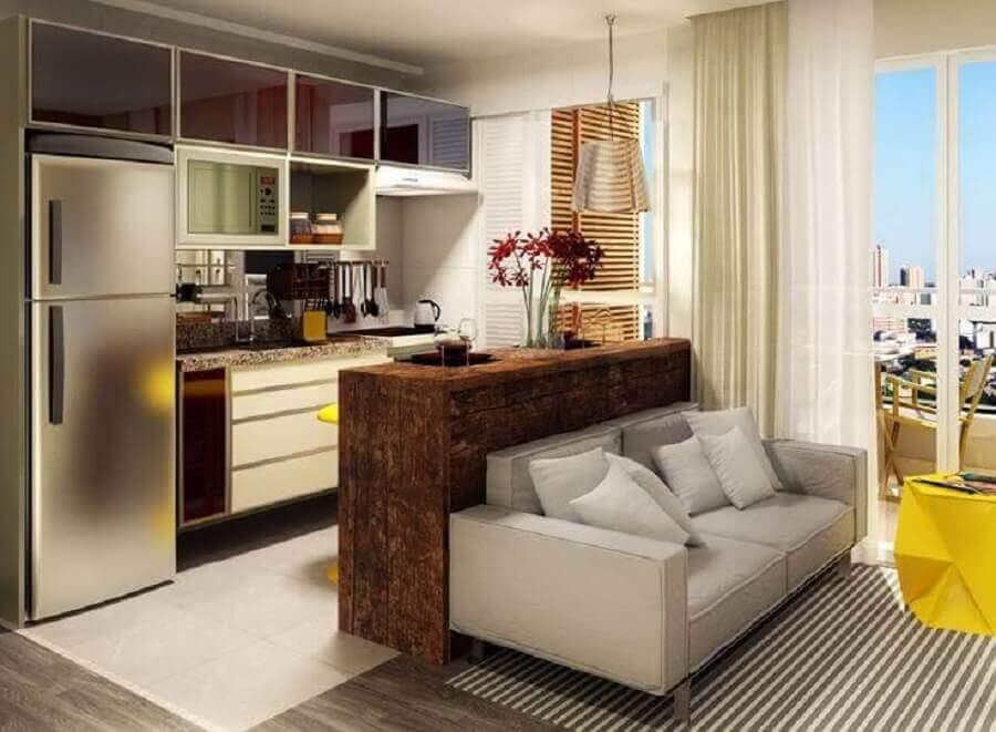 sofá pequeno cinza para decoração de sala com cozinha integrada Foto Dcore Você