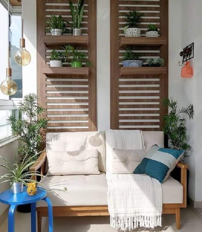 sofá pequeno de madeira para decoração de varanda Foto Meu Móvel de Madeira