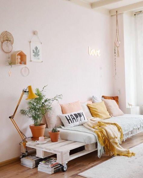 Sofá rústico de madeira e rodinhas