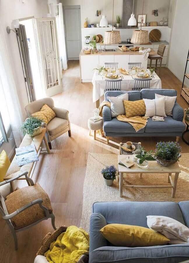 tapete bege para decoração de casa conceito aberto Foto El Mueble