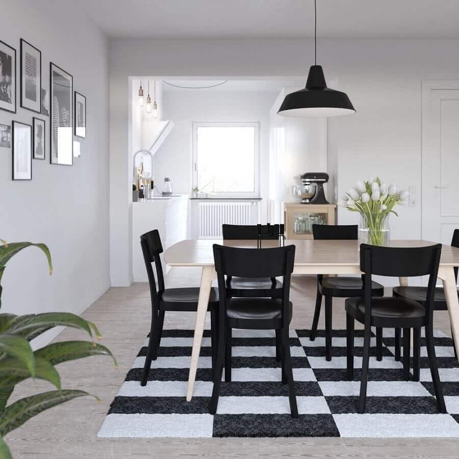 tapete listrado para decoração em preto e branco para sala de jantar Foto Behance