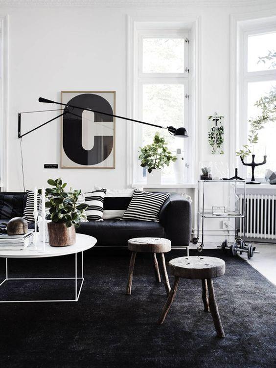 Sala moderna com tapete preto