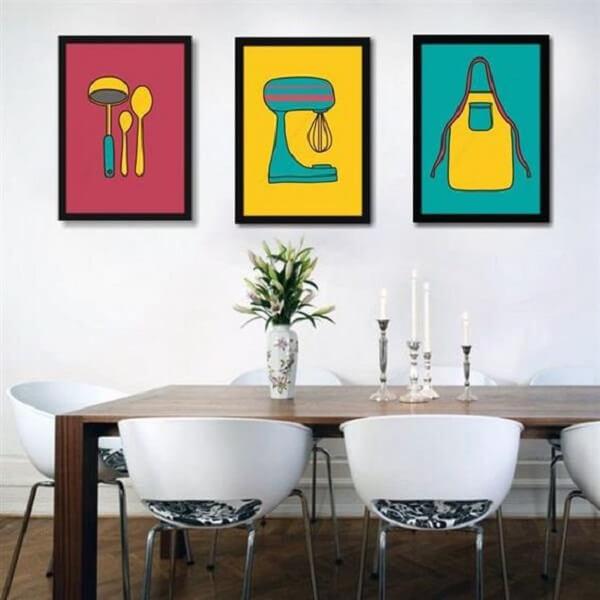 A sala de jantar fica ainda mais divertida na presença das placas decorativas