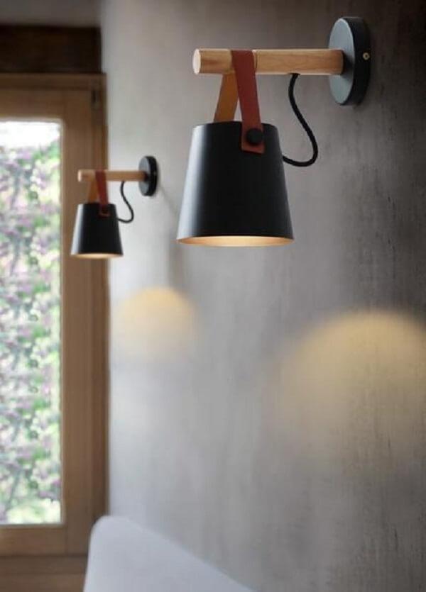 Arandela de parede de madeira com design criativo