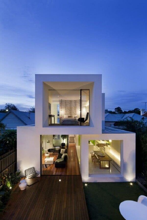 Arquitetura minimalista para casa de sobrado