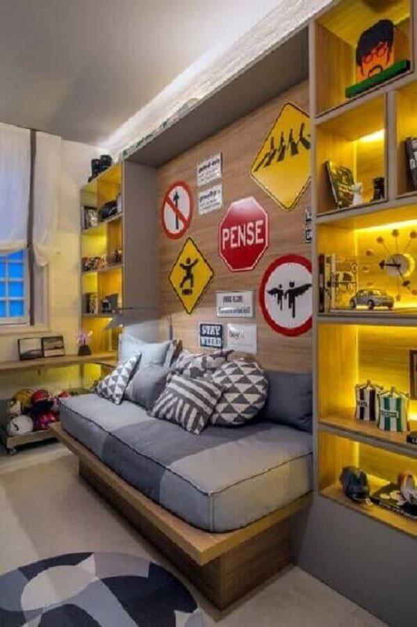 As placas decorativas para quarto de trânsito se conectam com o restante do dormitório