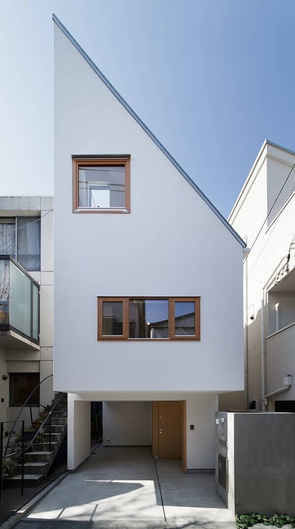 Casa moderna sobrado com telhado surpreendente