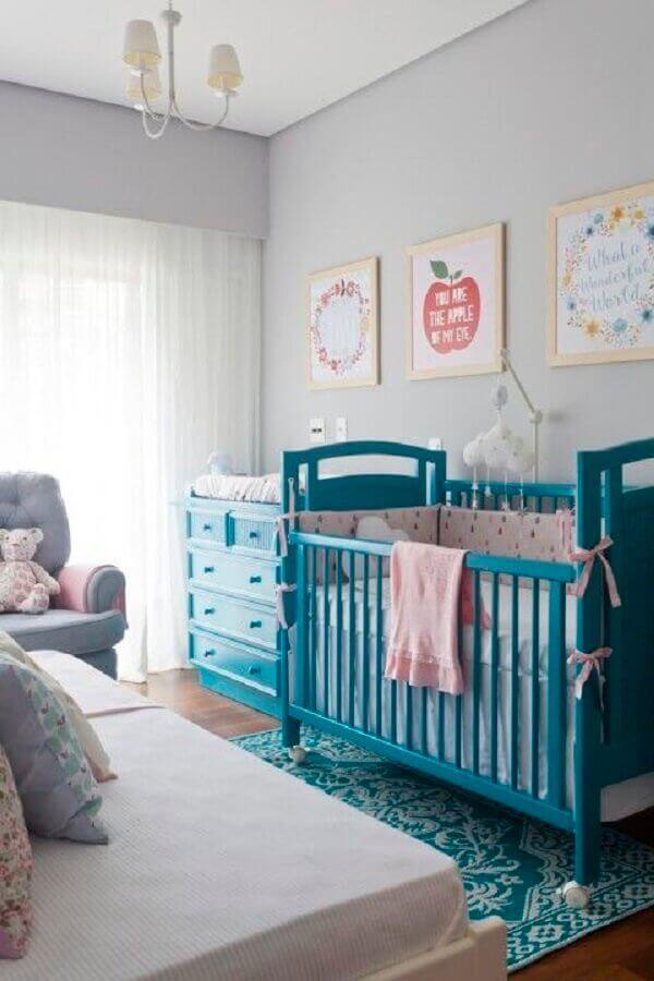 decoração de quarto de bebê azul e cinza claro Foto NaToca Design