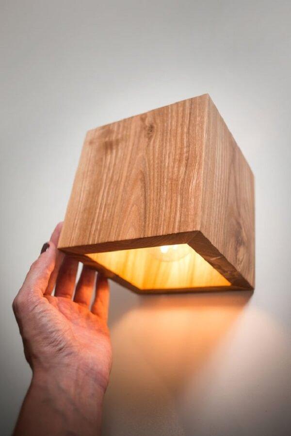 Decore seu ambiente interno com lindos modelos de arandela de madeira