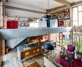 Modelo de casa com mezanino com ambientes integrados