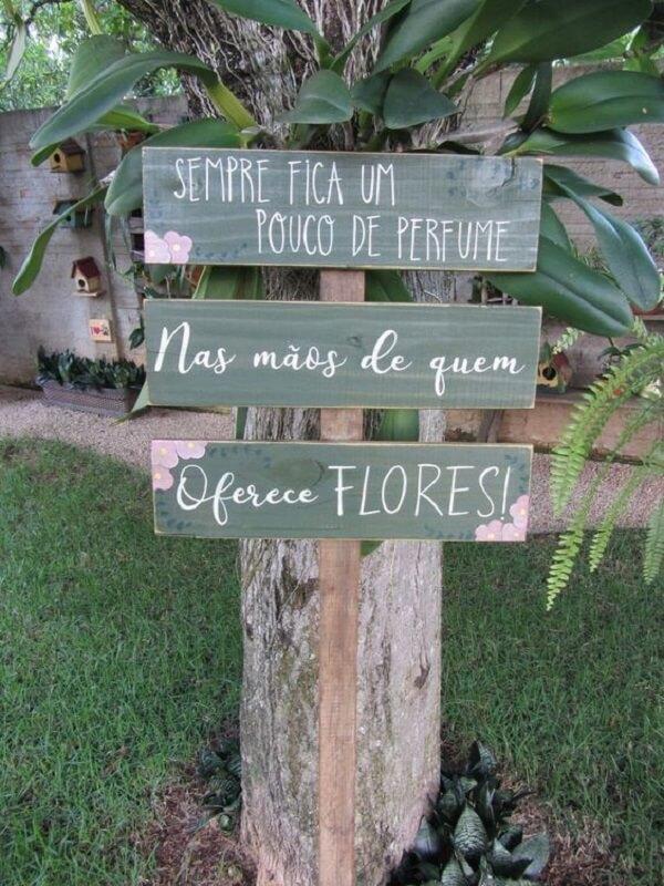 Modelos de placas decorativas para jardim com frases