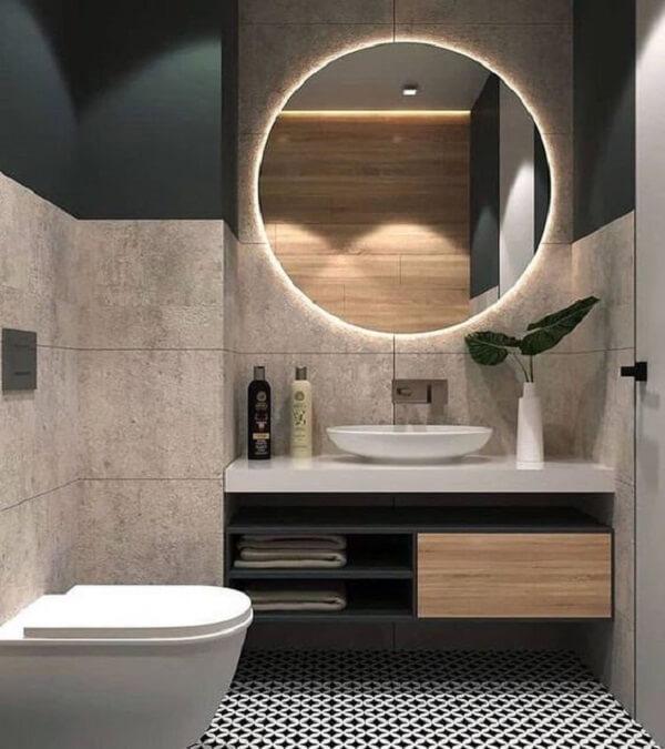 O espelho redondo com LED traz um toque sofisticado ao banheiro