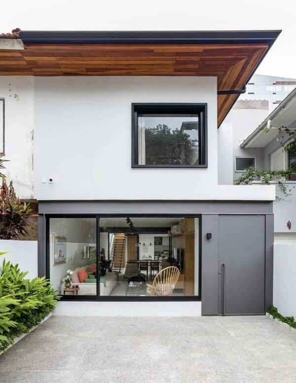 O vidro é um grande aliado para fachada de casa sobrado