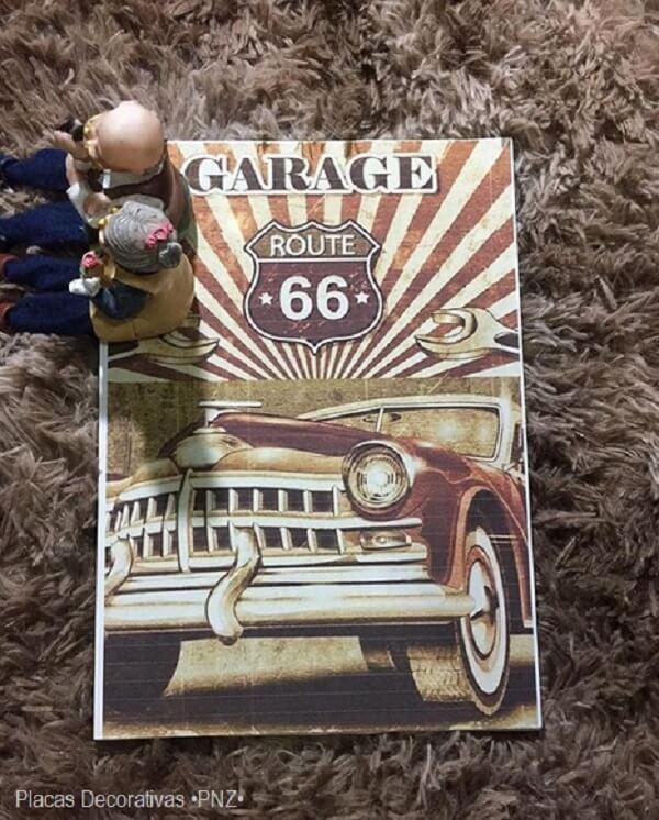 Placa decorativa vintage com temática de carros