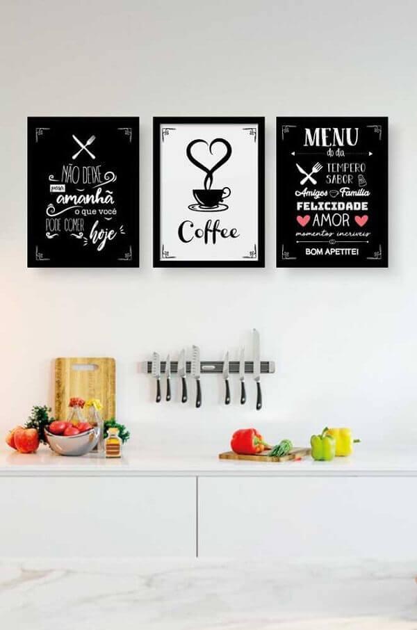 Placas decorativas com frases fazem sucesso na decoração