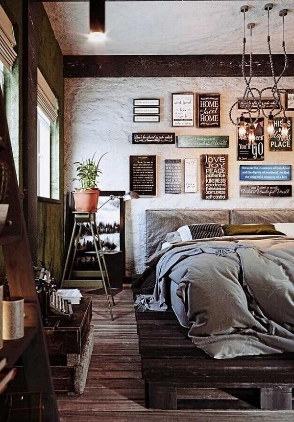 Placas decorativas para quarto com frases e formatos distintos