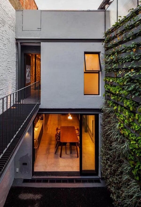 Planta de casas sobrado com estilo industrial