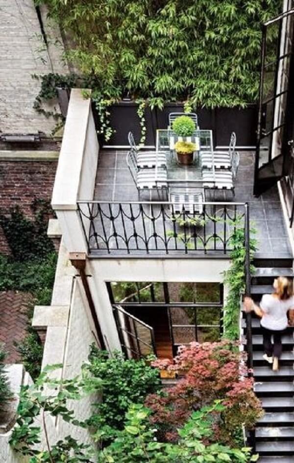 Projeto de casa sobrado com ambientes para reunir família e amigos