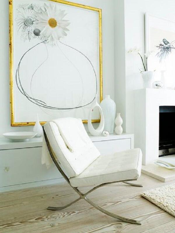 Sala com poltrona barcelona branca