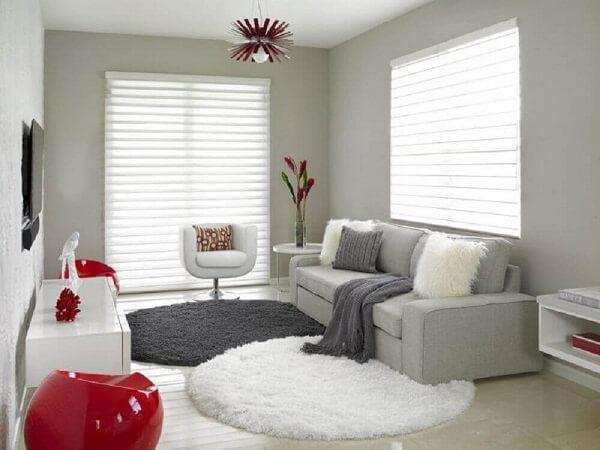 Você pode usar mais de um modelo de tapete shaggy redondo na sala